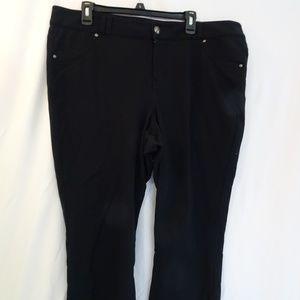Lane Bryant Womens Black stretch capris size 20